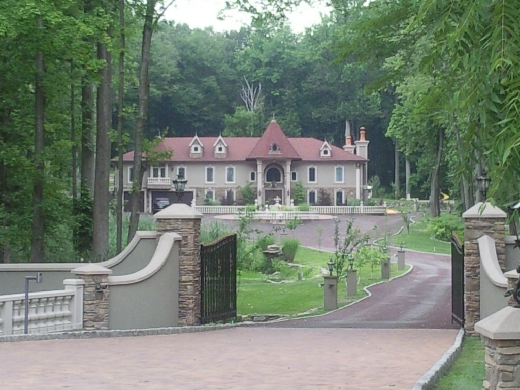 the summit hill mansions