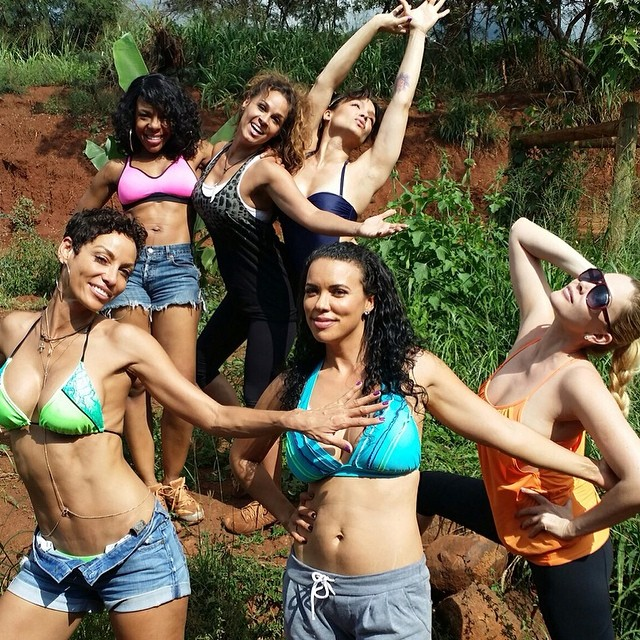 Hollywood Exes Cast Holiday In Maui