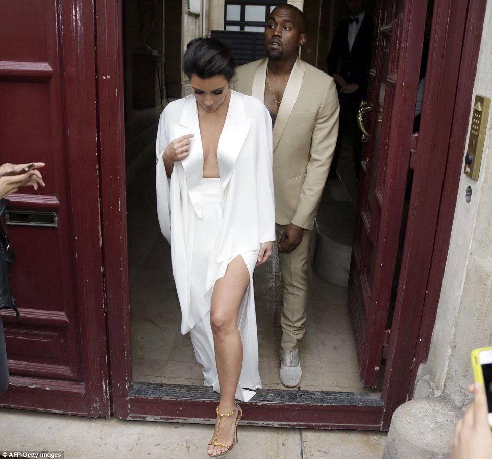 Kanye Kim Wedding: Kim Kardashian Takes Over The Royal Palace For Pre-Wedding