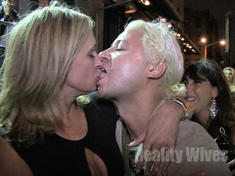 Sonja Morgan Completely Wasted She S The Straw Amp The Vodka That Slurred The Drink
