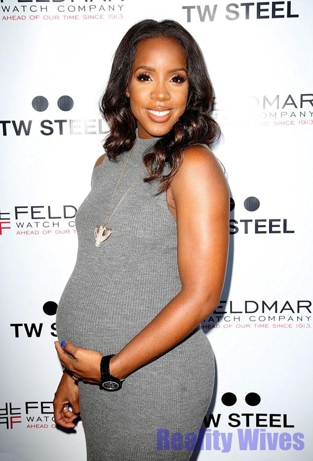 rowland pregnant Kelly