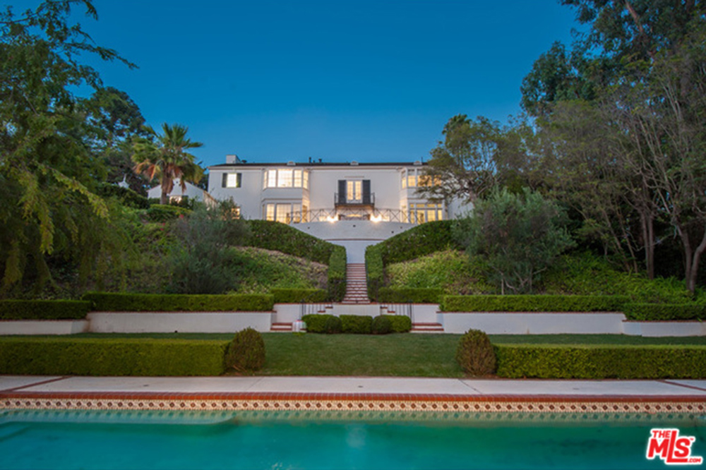 Photos Rick Amp Kathy Hilton Purchase 9 26 Million Bel Air Mansion