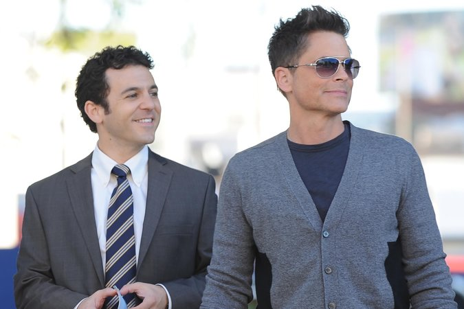 Fred Savage & Rob Lowe in The Grinder