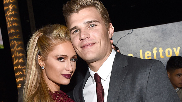 paris-hilton-chris-zylka-red carpet
