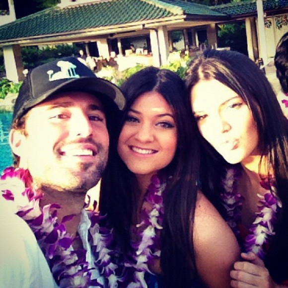 Brody-Kendall-Kylie-Jenner-In-Hawaii-580x580