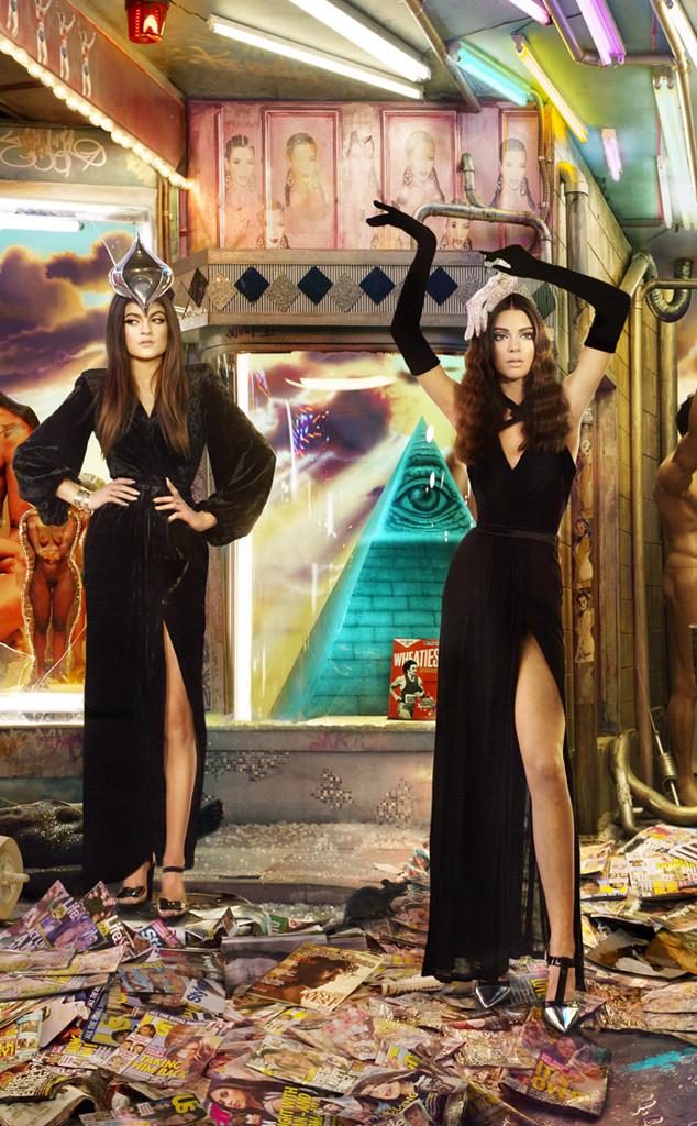 Kendall-Kylie-Jenner-xmas card-2013