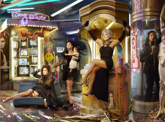Khloe-Kourtney-Penelope-Kris-xmas card-2013