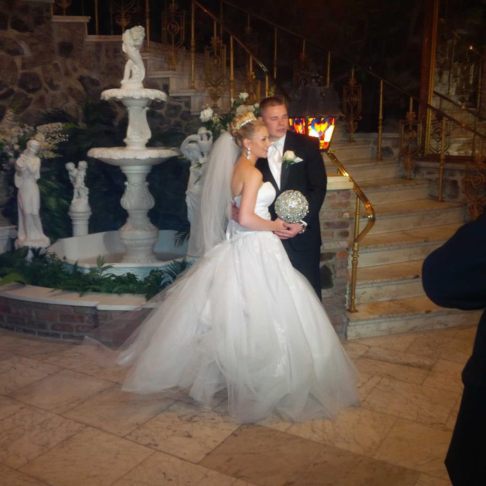 rose wedding-post