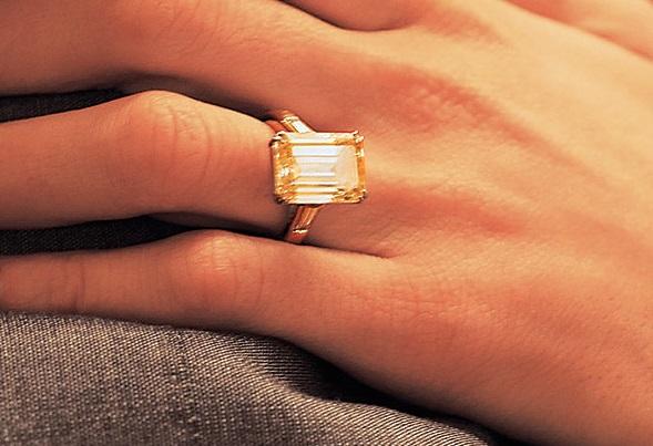 amal alamuddin engagement ring