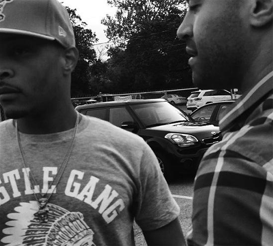 Phaedra's Husband Apollo Apologize'n for some stoopid sh*t he said to TMZ man this nigga smh. #Clown - Mad Mike