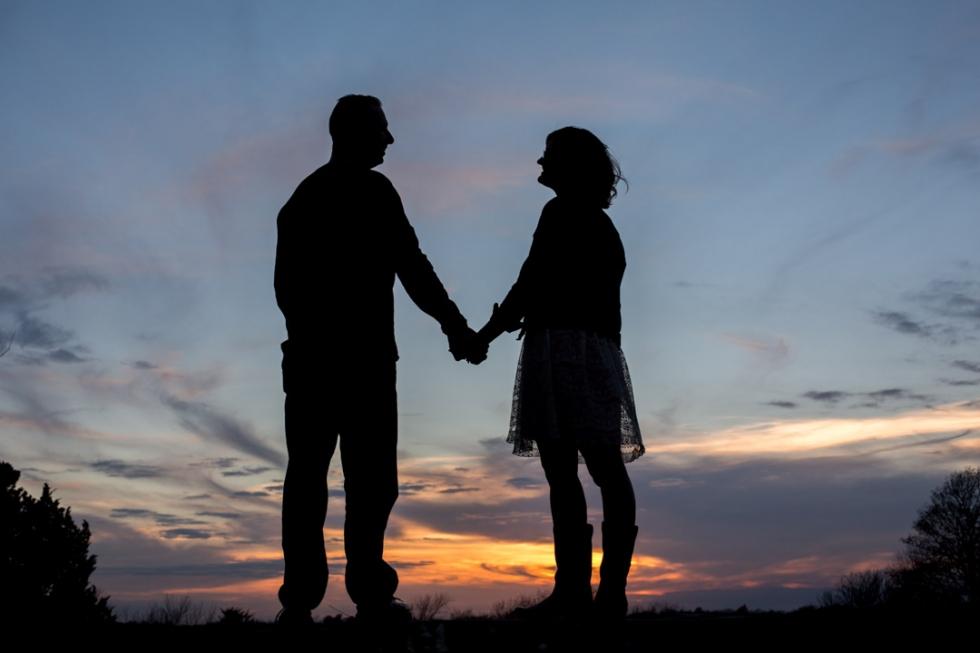 Silhouette-Couple-Olathe-KS
