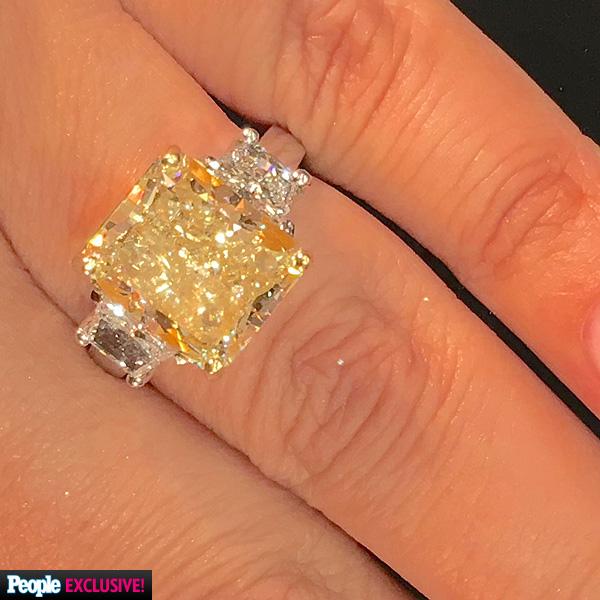 luann-de-lesseps-engagement ring-md
